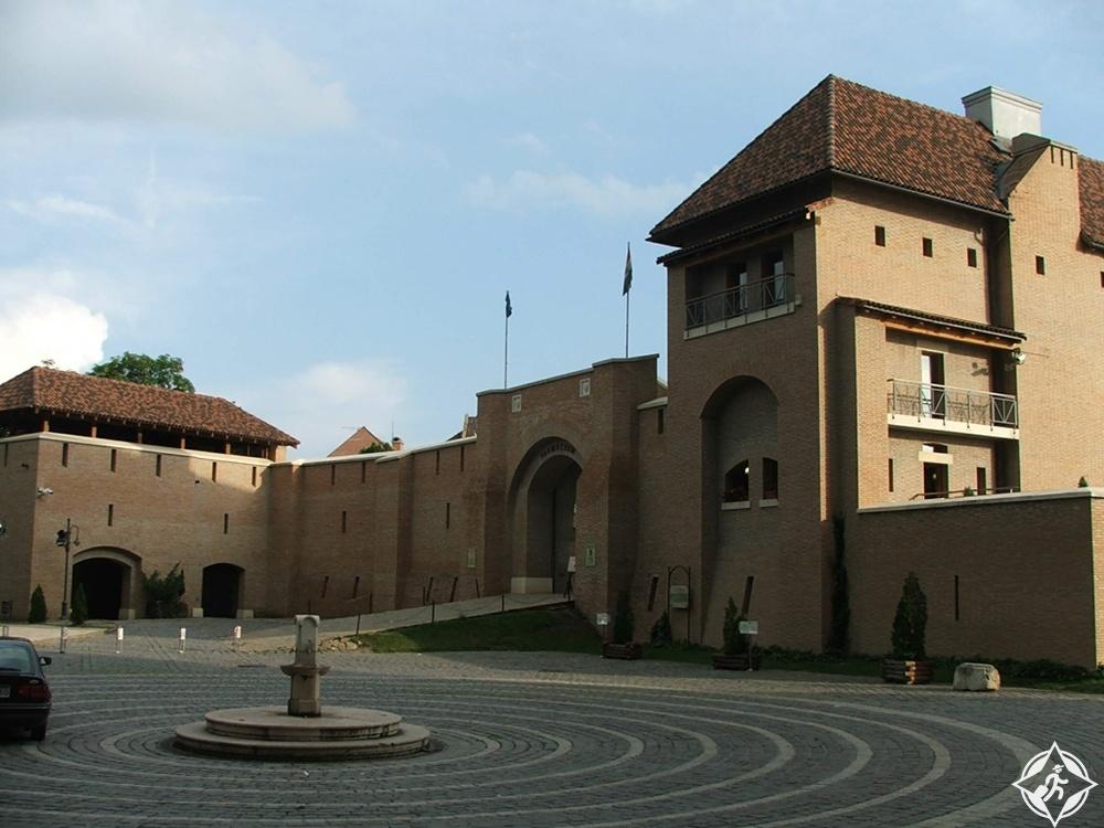 ازترغوم - متحف القلعة