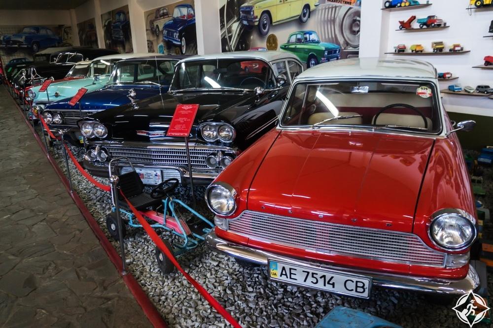 زاباروجيا - متحف السيارات العتيقة فيتون فايتون