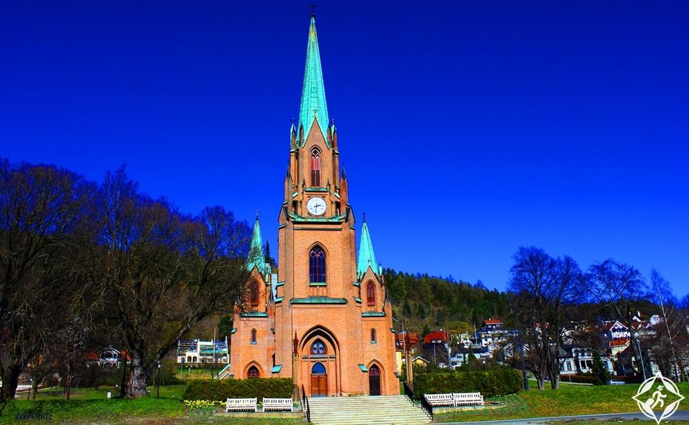 درامن - كنيسة براجنرس