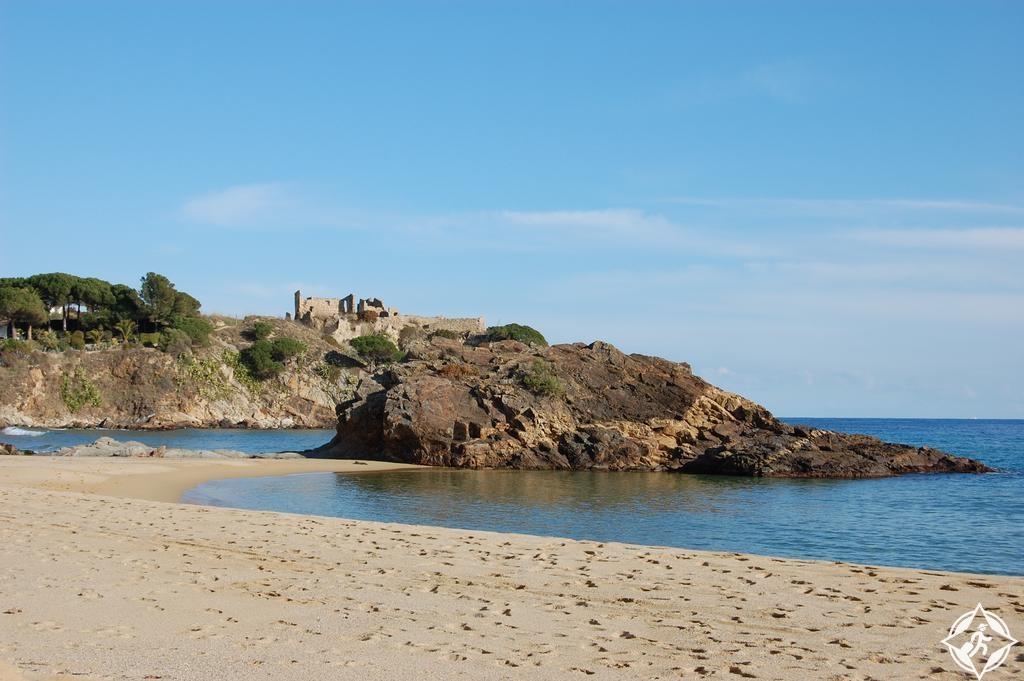 الشواطئ الرملية البيضاء بالاموس لافوسكا-بيتش.jpg
