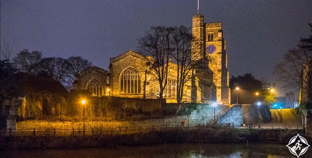 ميدستون - كنيسة جميع القديسين