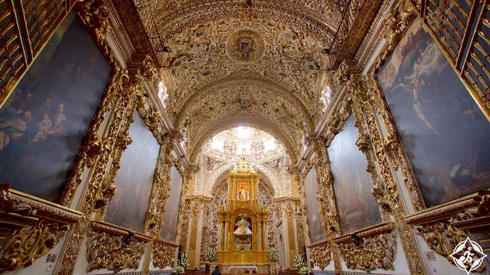 بويبلا - الكنيسة الوردية