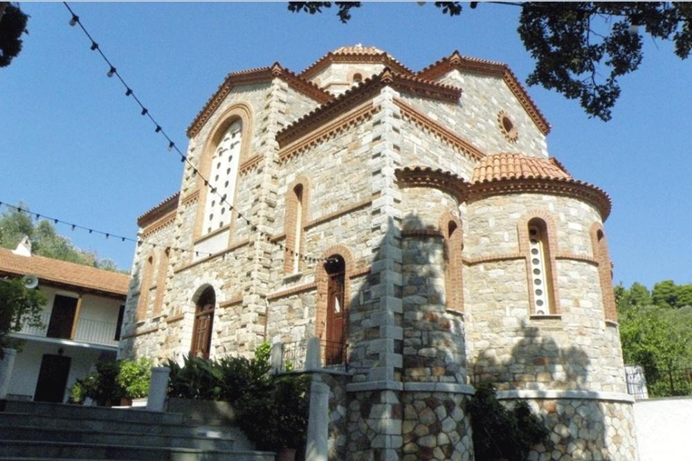 جزيرة سكوبيلوس - دير أجيوس ريجينوس