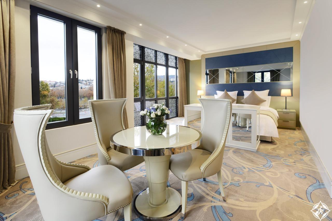 الفنادق في تبليسي - فندق السفير تبليسي