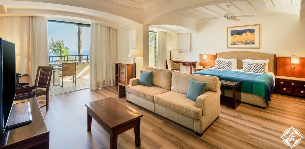 الفنادق في قبرص - منتجع كولومبيا بيتش