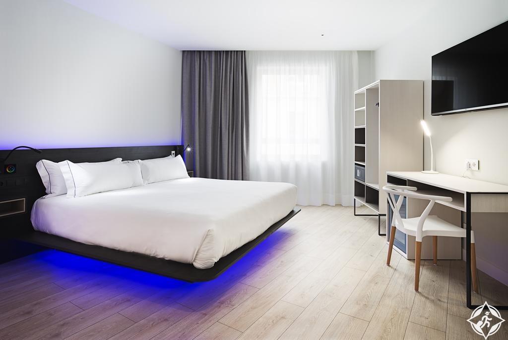 الفنادق في مدريد - فندق بي آند بي مدريد ثينترو بويرتا ديل سول