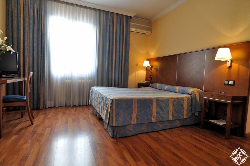الفنادق في مدريد - كاسون ديل تورميس