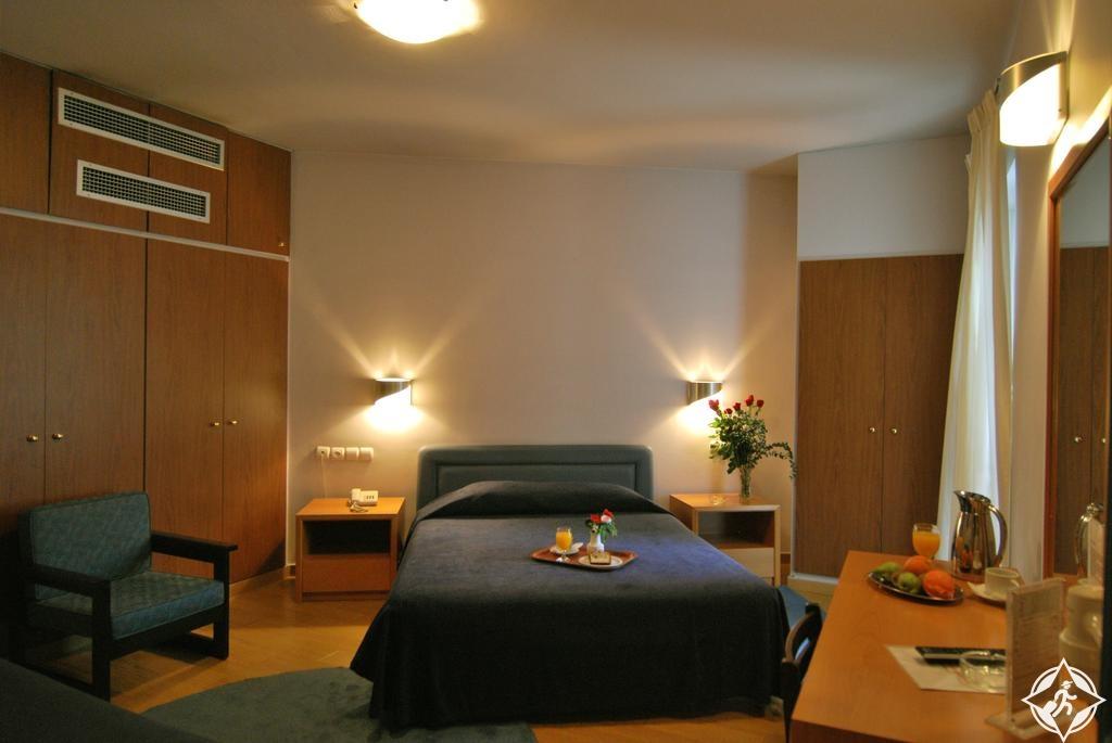 الفنادق في أثينا - فندق إينيوهوس