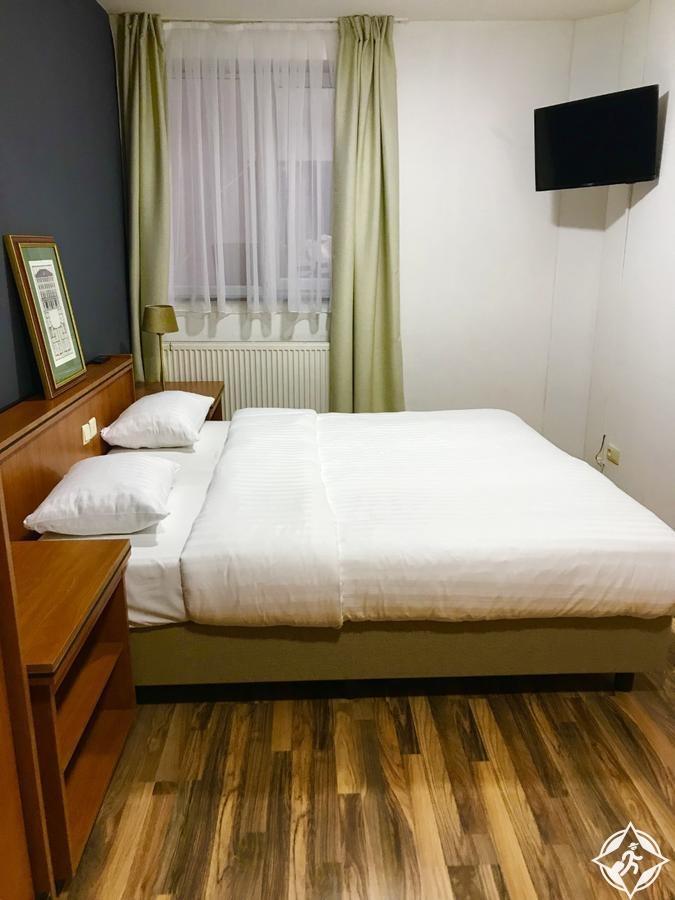 الفنادق في بروكسل - فندق المحطتين