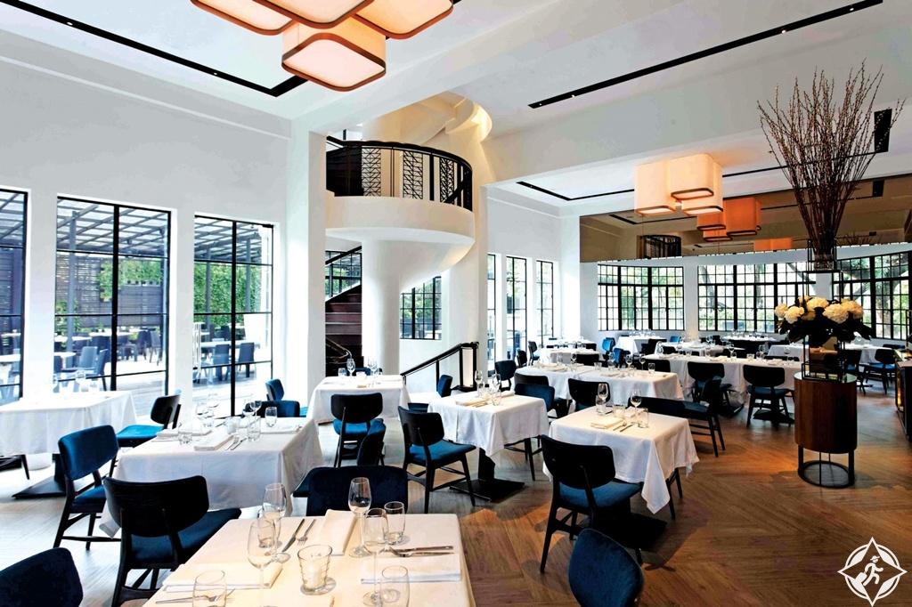 المطاعم في ماكاتي - بلاك بيرد